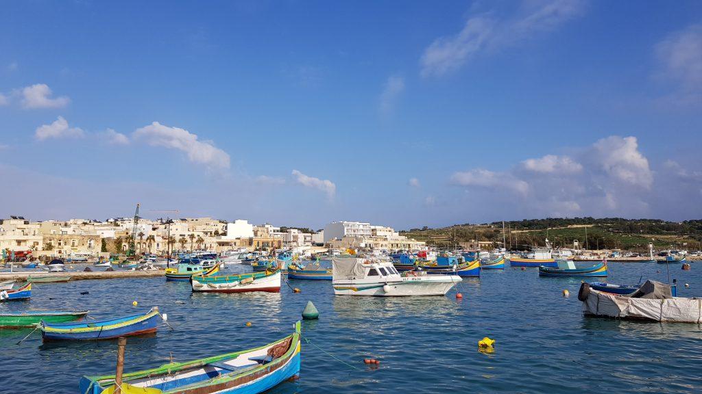 Fischfang für die Küche Maltas im Fischerdorf Marsaxlokk