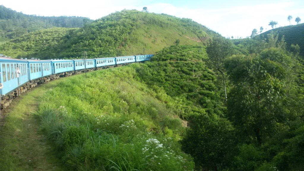 Rundreise durch Sri Lanka: Zugfahrt Kandy - Ella